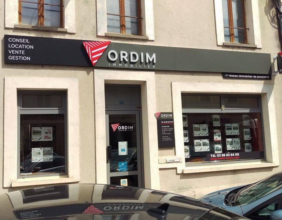 Enseigne lumineuse dans l'Yonne et Ile de France